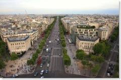 Champs-Elysees az Arc de Triomphe tetejéröl